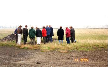 De leden van de TCB op bezoek op de heide bij Lommel